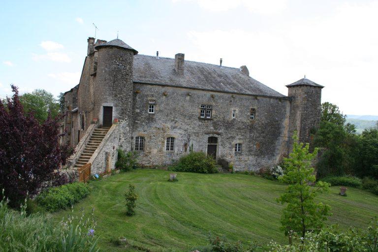 Château de Buzareingues ©Office de Tourisme Des Causses à l'Aubrac