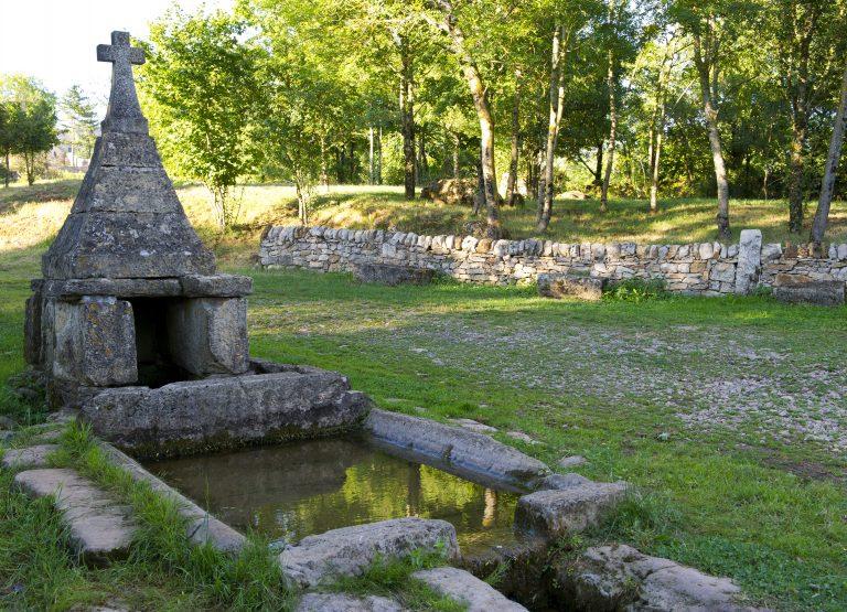 Fontaine de Cornuéjouls, Lapanouse ©Florent DELTORT